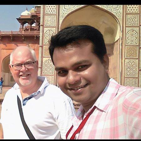 Private Tour Guide in Agra (Atiq Akhtar)