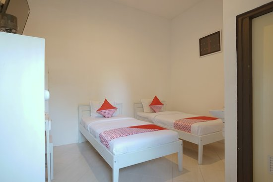Pictures of OYO 967 Cajoma Guesthouse - Flores Photos