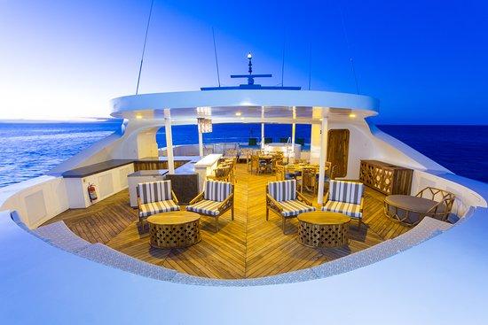 Galapagoseilanden, Ecuador: Sky deck Guests lounge - Mega Catamaran Galapagos Elite