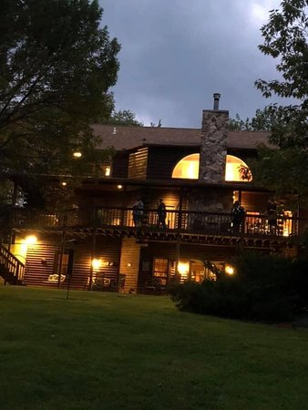 Nebo, IL: Back of the Lodge