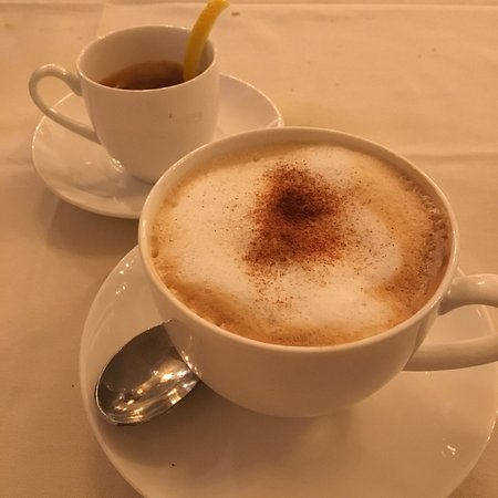 Roslyn, نيويورك: Espresso and Cappucino
