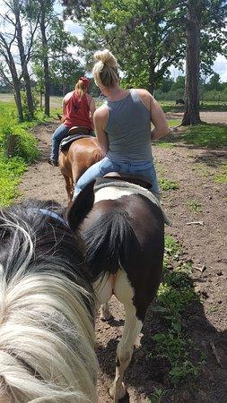 ไพน์ริเวอร์, มินนิโซตา: Trying to get the saddle straight.