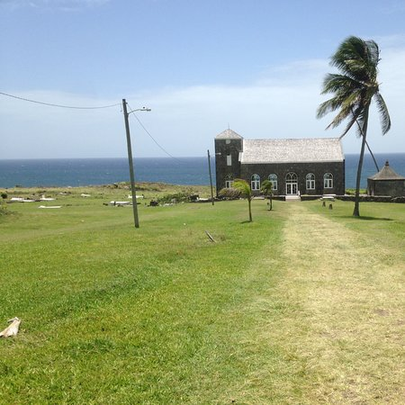Cayon, St. Kitts: These are nice pictures shown the church located on the sea side. Come on down and enjoy.