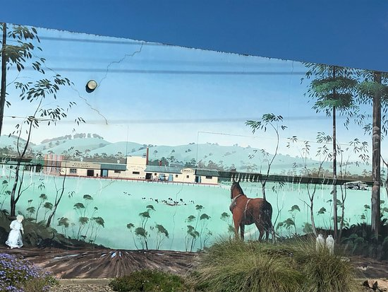 Dumbalk Mural