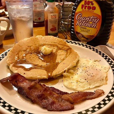 Somonauk, IL: (9/9/2019) Breakfast with family