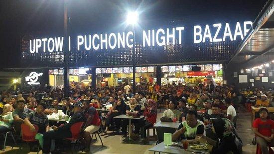 Uptown Puchong Night Bazaar