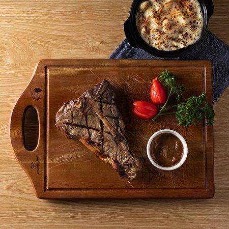 T-Bone Steak | Maccaroni & Cheese | Black Pepper Sauce