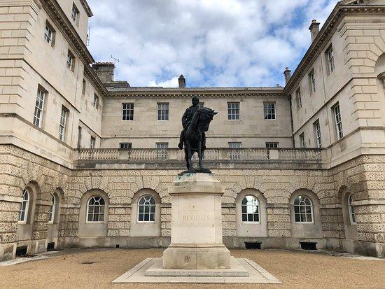 Field Marshal Earl Roberts Statue