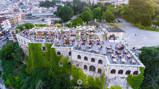 Great view of #Ioannina #city from top of #Roof Bar #litharitsia!  #litharitsia360 #viewfromtop #ioanninacity #greece #alldaybar #people #friends #happiness #instapics #instatravel #roofbar #drinks #360_breathtaking_view