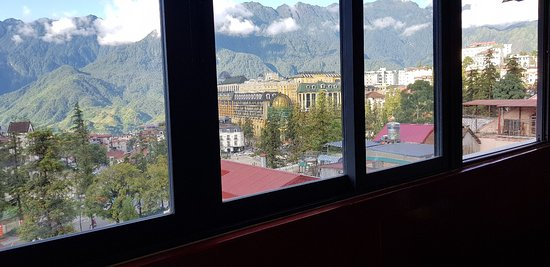 Anise Sapa Hotel: Family room with mountain view