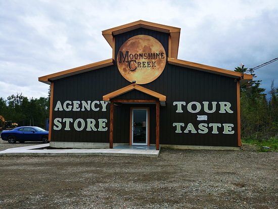 Waterville, แคนาดา: Roguetrippers visited the Moonshine Creek Distillery in New Brunswick