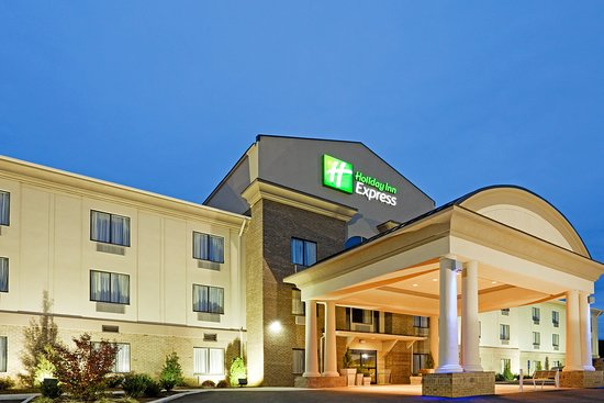 HOLIDAY INN EXPRESS TROUTVILLE-ROANOKE NORTH - Updated ...