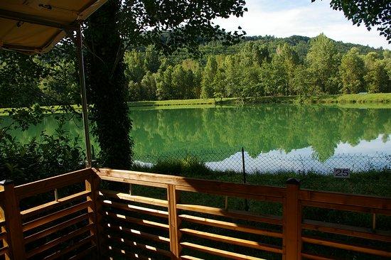 Ceilhes-et-Rocozels, Frankrike: Lodge, vue sur le lac