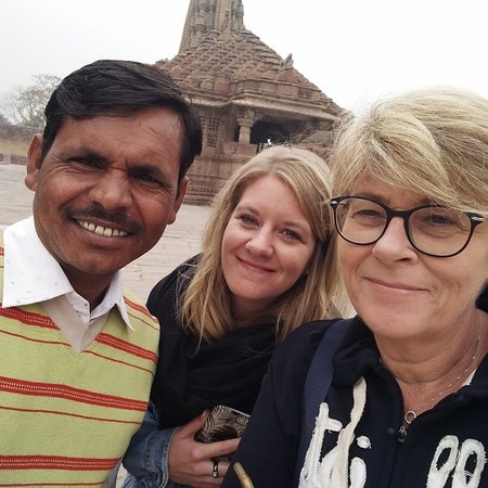 Menal, India: Ms. Clamance from france