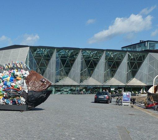 Guldbrasen fra Öresund och Kulturvaerftet (Kulturvarvet) i Helsingör