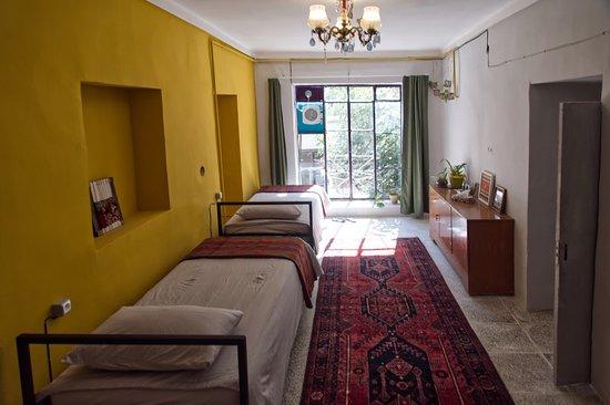 Marivan, Iran: Dorm Room with Beds