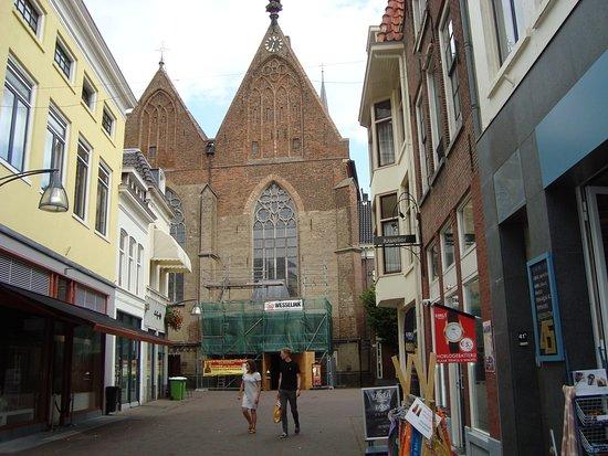 Broederenkerk: A church founded around 1335