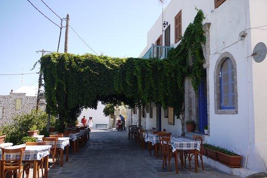 دوديكانيز, اليونان: Greek taverna - Mandraki - Nisyros Island