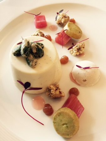 Lochaline, UK: Highland rose pudding