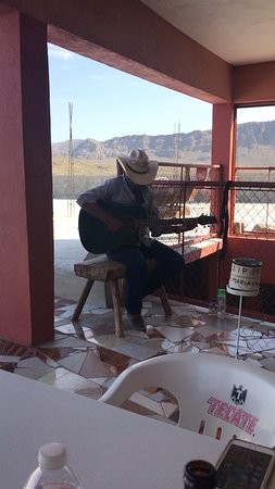 Serenaded while you eat !