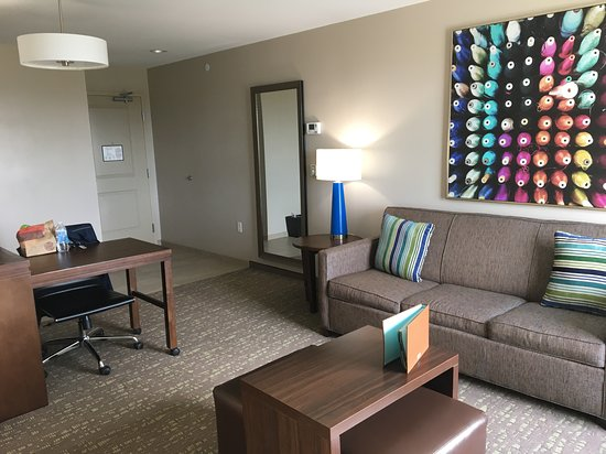 Excellent hotel close to the mall