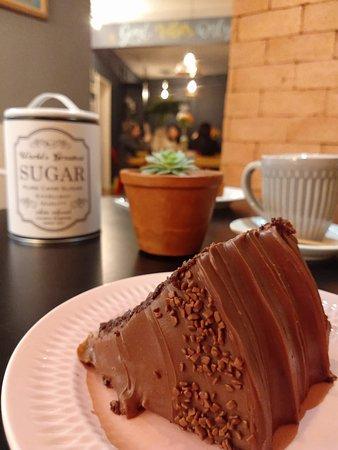 Escolhi o Bolo de chocolate Belga, simplesmente delicioso. Super recomendo.
