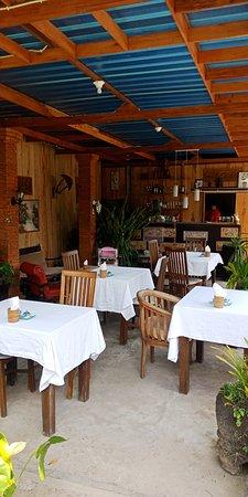 Candikuning, Indonesië: ruangan warung magoes