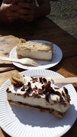 Coockie cheesecake and a banana cake <3