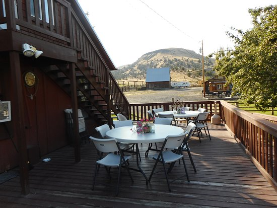 Fossil, OR: The deck in the back is a good place to enjoy the countryside.