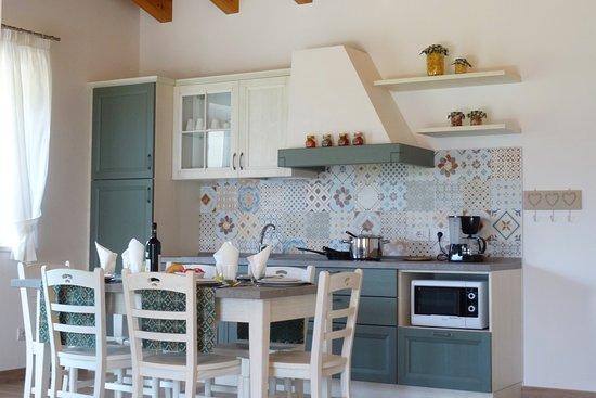 Voiandes, Italia: Two-bedroom apartment - kitchen