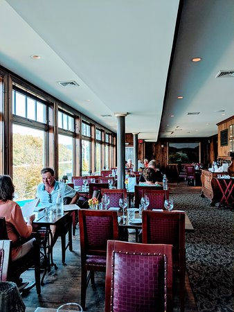 Lumberville, PA: One end of the dining room