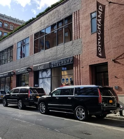 PNY ESCALADES COVERING UNITED NATION EVENT IN NYC