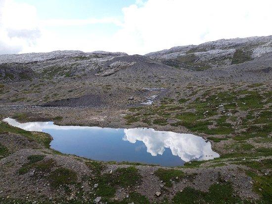 Le Chable, Sveits: Sanetch limestone alpine paradise hike