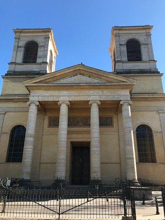 Fachada de la Cathedrale Saint-Vincent.