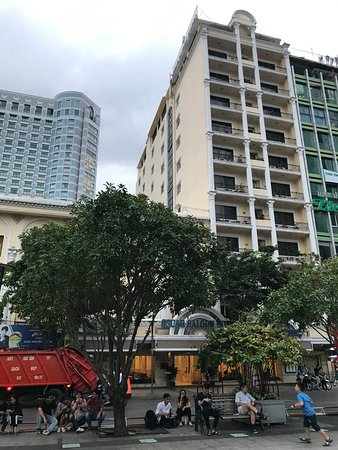أوسكار سايجون هوتل: Oscar Saigon Hotel, possibly one of the worst hotels ever been.