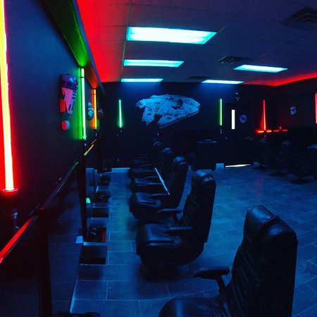 Succasunna, NJ : Randolph New Jersey's newest gaming center for parties.