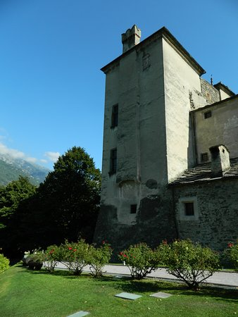 Issogne, Itálie: torre esterna