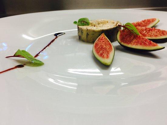 Mi-cuiit de foie gras de canard aux figues