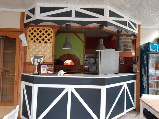 La Haye-Pesnel, צרפת: Pizzeria Au feu de bois