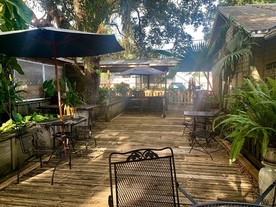 Ozona, FL: Courtyard Cafe