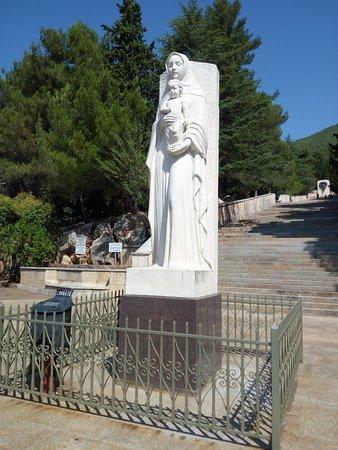 La santa chiesa di padre Pio
