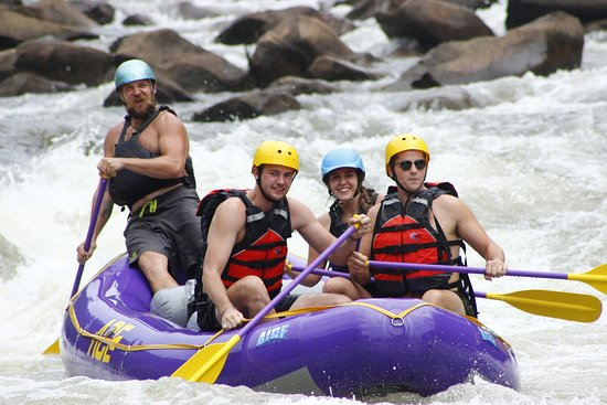 Rafting en eau vive et kayak Photo