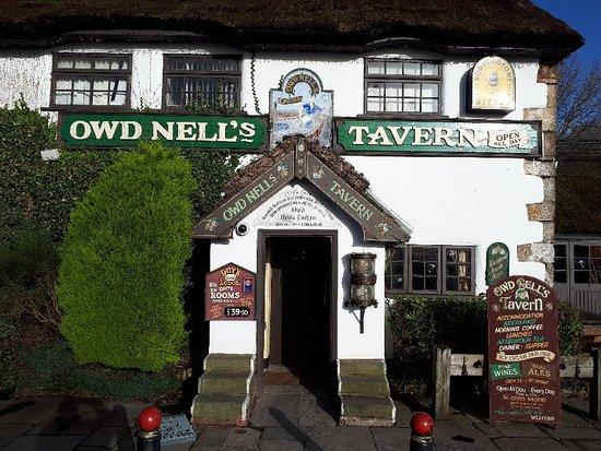 Owd Nell's Tavern