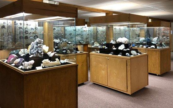 Crater Rock Museum