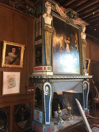 Замок Effiat ( 17в.)- жемчужина региона. Открыт к посещению с 14:00 до 19:00, экскурсии с прекрасным гидом в 14:30, 16:00, 17:00, стоимость 9€. Рекомендуем.