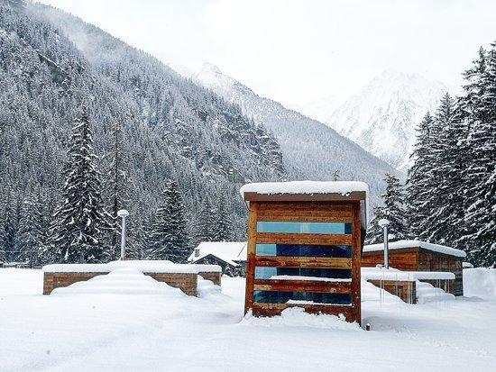 Outdoor Sauna and hot tubs