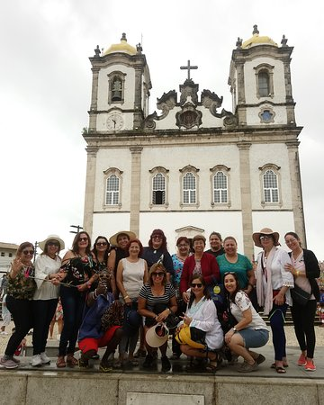 Amigas de Paraguay haciendo sus votos en la Basílica del Senhor do Bonfim.