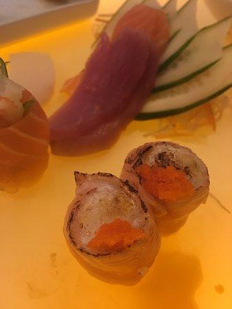 Tadashii Japanese Restaurant: Rodizio do cheff no balcão: íncrivel! Um sushiman exclusivo fazendo os sushis que você pede na hora, na sua frente!!