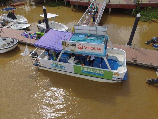 Monteria, Kolumbien: La Lorenza saliendo del muelle turístico de la Ronda del Sinu!