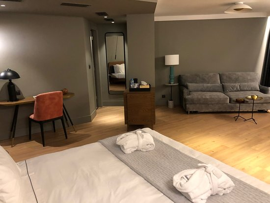 Nice fresh hip hotel, but some aspects like service and housekeeping need improvement